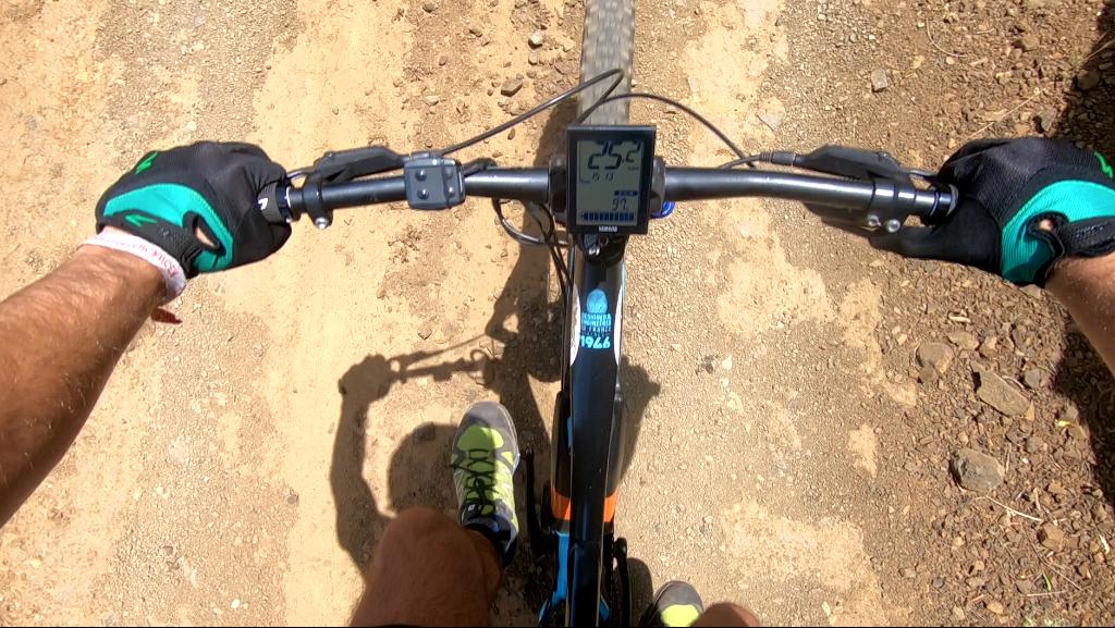 Las bicicletas eléctricas Lapierre tienen una autonomía de 5-6 horas bien usadas.